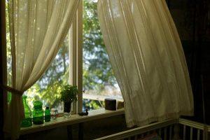 Pobyt w drewnianym domku na urlopie