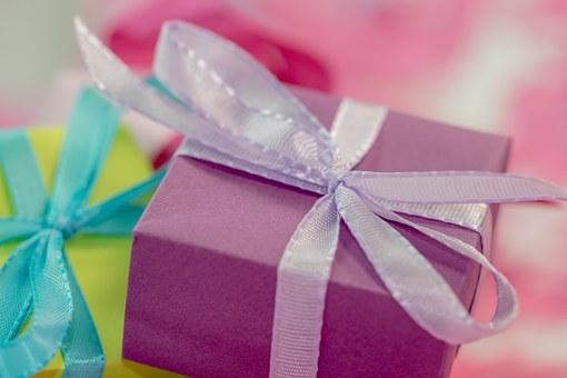 Sprzedaż własnoręcznych śmiesznych prezentów
