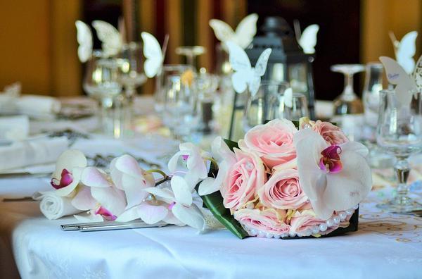 Przygotowywanie przyjęcia weselnego