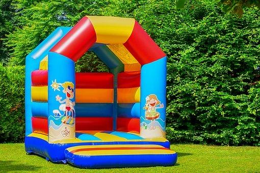 Tory przeszkód na urodziny dla dziecka