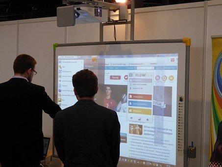 Wielofunkcyjne monitory interaktywne